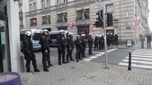 Policja blokuje ulicę Wilczą Mateusz Szmelter / tvnwarszawa.pl
