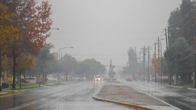 Na drogach będzie ślisko, kierowcy powinni zachować ostrożność
